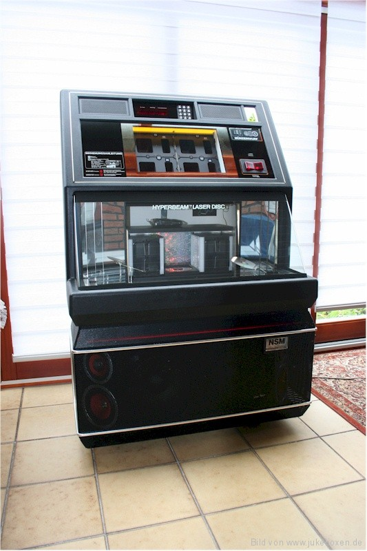 NSM Grand Performer Jukebox http://www.jukeboxen.de/jukebox-kaufen/nsm-performer-grand-ii-2
